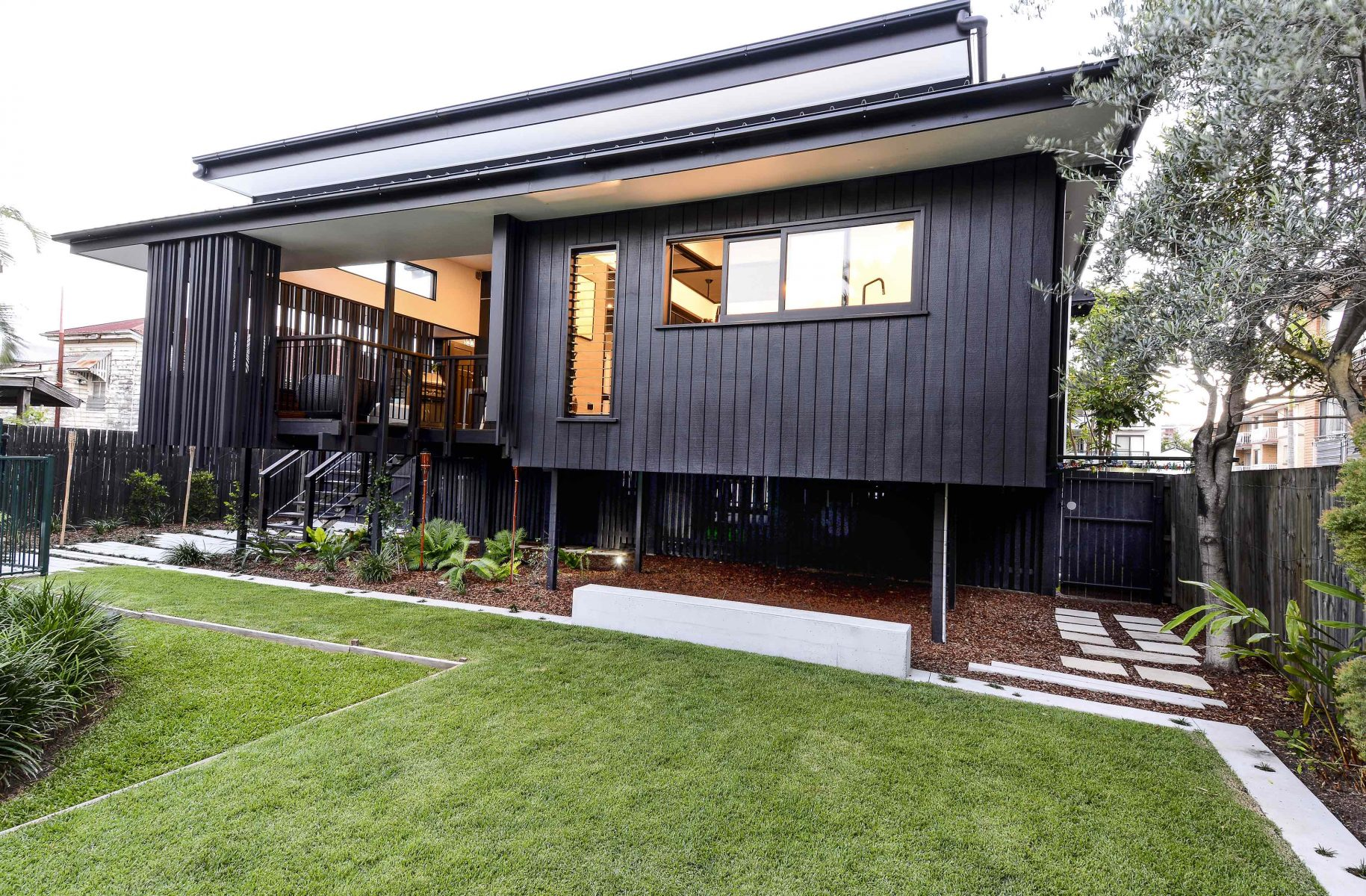 Nat and Gerry's Back Deck by biscoe wilson   architects