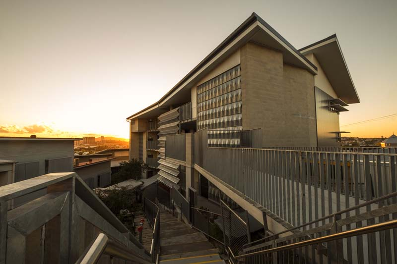 Resource Centre and GLA building at Bulimba State School by biscoe wilson | architects